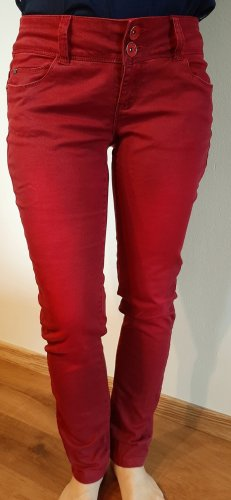 17&co Jeans carotte rouge foncé
