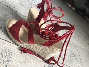 Rote Keilbsatz Sandaletten