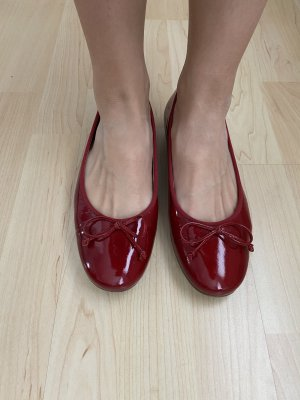 Rote Lackballerinas von Paul Green