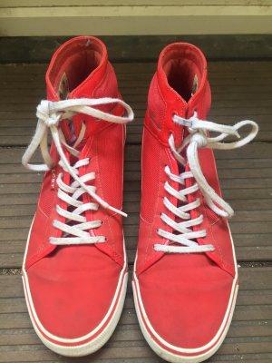 Rote Lacoste Sneaker