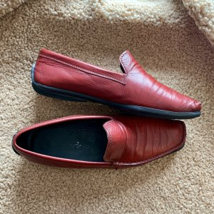 Rote Loafers