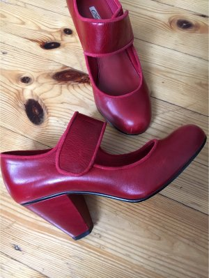 rote Mary Jane Lederpumps von Buffalo Gr. 38