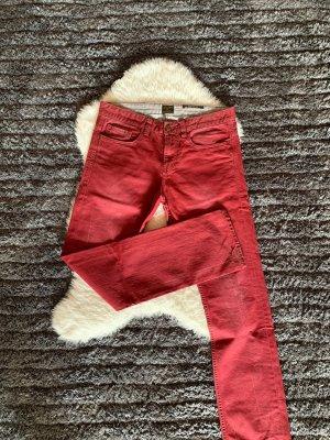 Rote Modische Hosen
