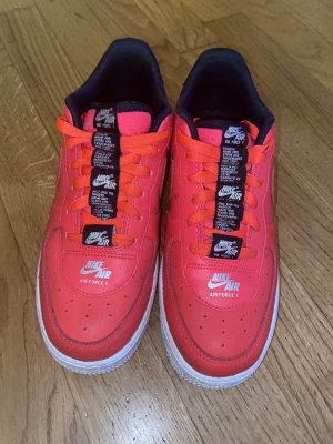 Rote Nike Airforce