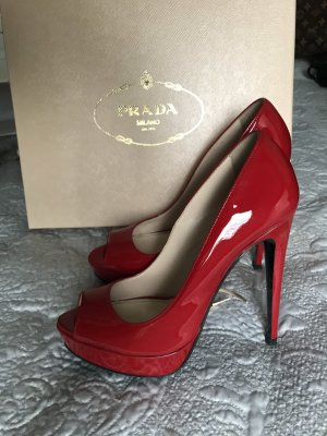 Rote Prada Pumps