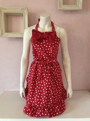 Rote Schürze mit weißen Herzen, Schleife und Rüschen von H&M