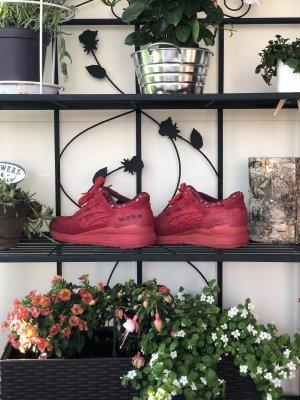 Asics Basket à lacet rouge foncé-rouge