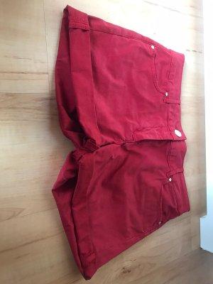 Rote Shorts Hallhuber