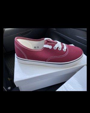 Rote Sneaker Neu Freizeit Look
