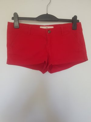 Rote Sommer-Shorts