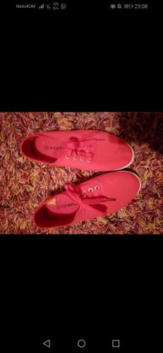 Rote Sommerschuhe