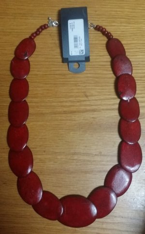Bijou Brigitte Statement Necklace carmine wood