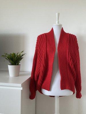 rote Strickjacke von H&M