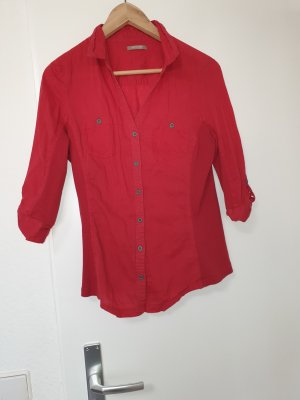 Rote taillierte Bluse