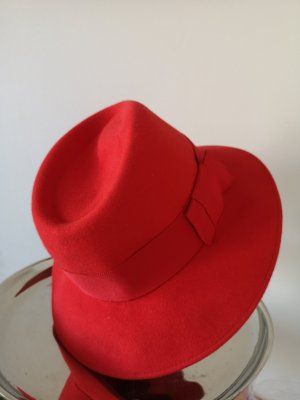 Woolen Hat red