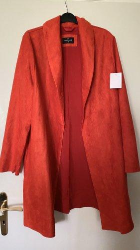 Cappotto in pelle rosso-rosso mattone