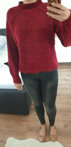 Roter Pullover in Chenille-Optik