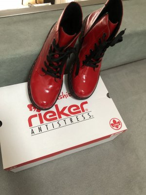 Roter Rieker Boots