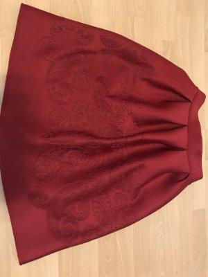 Falda globo burdeos-carmín