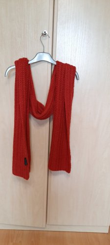 Apanage Crochet Scarf brick red