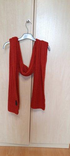Apanage Bufanda de ganchillo rojo ladrillo