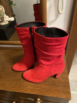 Roter Tamaris Stiefel