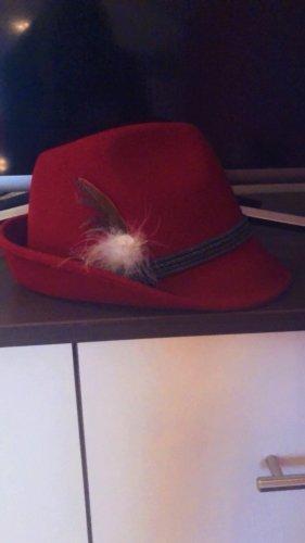 Roter Trachtenhut