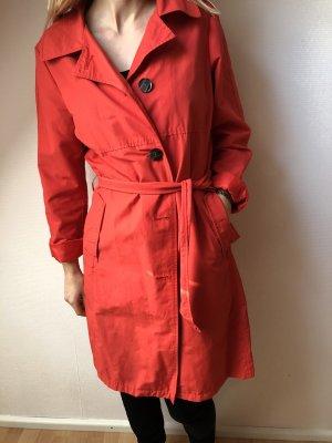 Roter Trenchcoat wie Neu