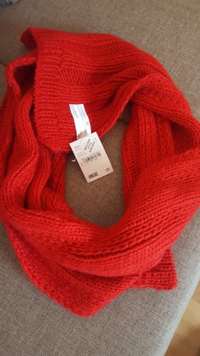 C&A Woolen Scarf red