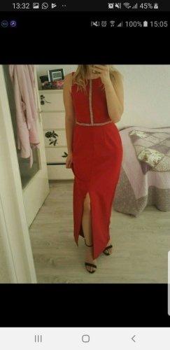 Rotes Abendkleid  mit Steinen