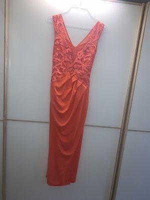 rotes Abendkleid von Lipsy