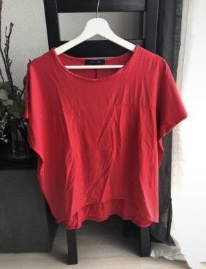 Rotes Basic T-Shirt