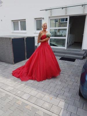 rotes Brautkleid