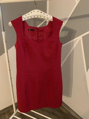 Rotes Damendkleid