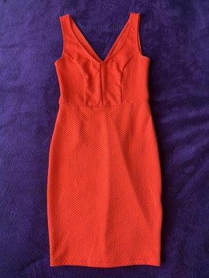 Rotes enganliegende Kleid Größe 36