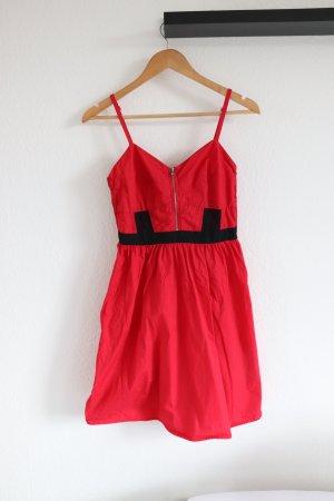 Rotes even&odd Kleid mit schwarzer Spitze Sommerkleid Reißverschluss vorne Gr. 36/38