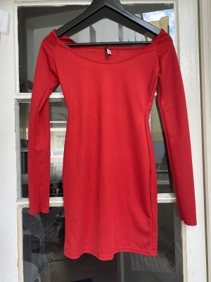 Rotes figurbetontes Kleid