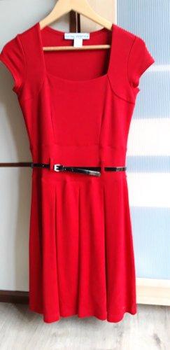 Rotes Kleid Gr 34
