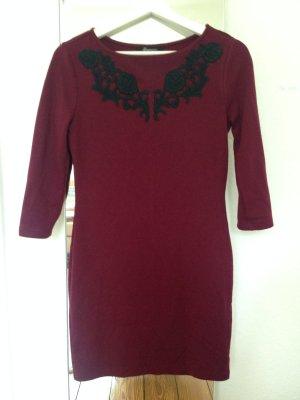 Rotes Kleid mit Muster von Forever21