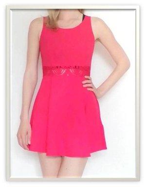 rotes Kleid mit Spitzeneinsatz, Gr. 36