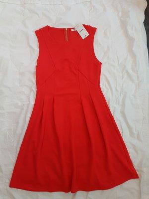 Rotes Kleid von Pimkie
