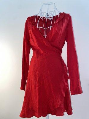 Hennes & Mauritz Vestido cruzado rojo