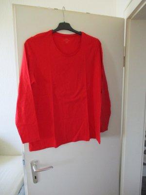 rotes Langarm-Shirt
