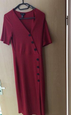 Rotes langes Kleid