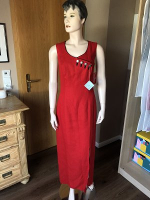 Rotes Linen-Kleid Tracht