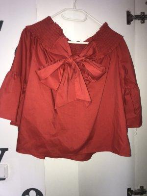 rotes luftiges shirt