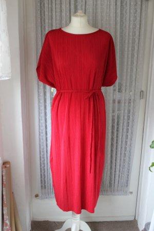 Rotes Midikleid von Zara