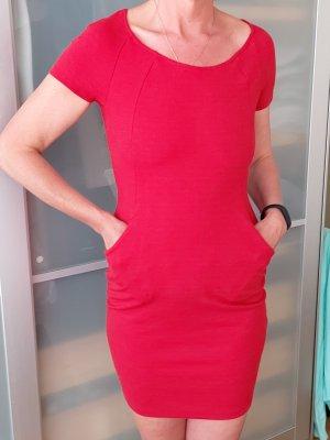 Yessica Vestido ceñido de tubo rojo