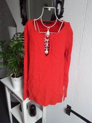 Rotes Oberteil von Zara