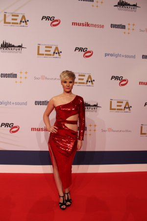 Rotes Red Carpet Paillettenkleid Gr. 36